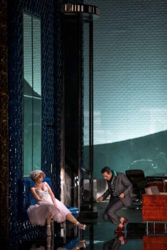 © Bernd Uhlig Julie Mathevet (Zerlina), Jean-Sébastien Bou (Don Giovanni)