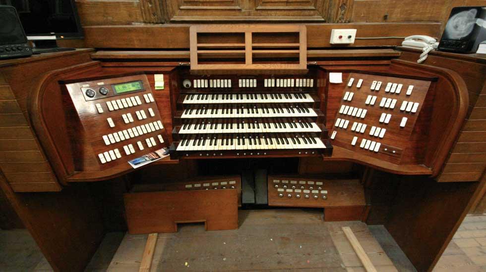 La console du grand-orgue de la cathédrale de Nantes © Roland Galtier