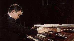 Michel Bourcier, organiste à la cathédrale de Nantes